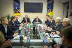 Глава Чувашии Михаил Игнатьев провёл в Москве рабочую встречу с членами Исполкома Федерации спортивной борьбы России