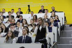 Молодые госслужащие активно включились в обсуждение проблемы привлечения молодых кадров в органы власти. Фото Максима БОБРОВАА не пойти ли нам на госслужбу?