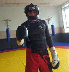 Тренер Новочебоксарска Андрей АнаньевАндрей Ананьев: Бокс – интеллектуальная игра на больших скоростях Профессионал