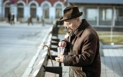 Нищета и бедность, которую не видит Росстат статьи и интервью михаил делягин