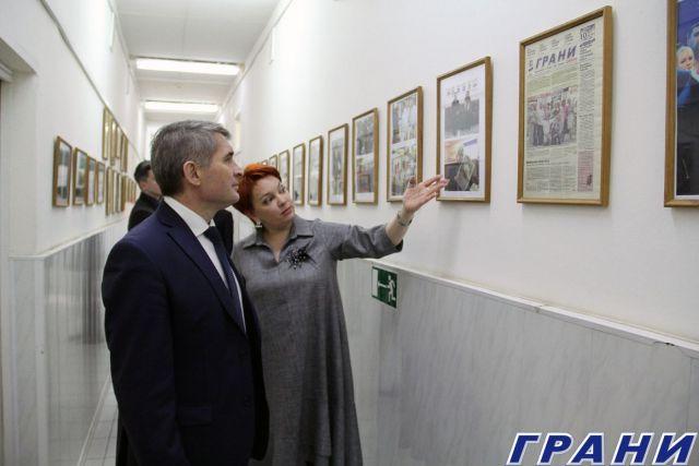 05 Oliegh Nikolaiev v riedaktsii ghaziety Grani